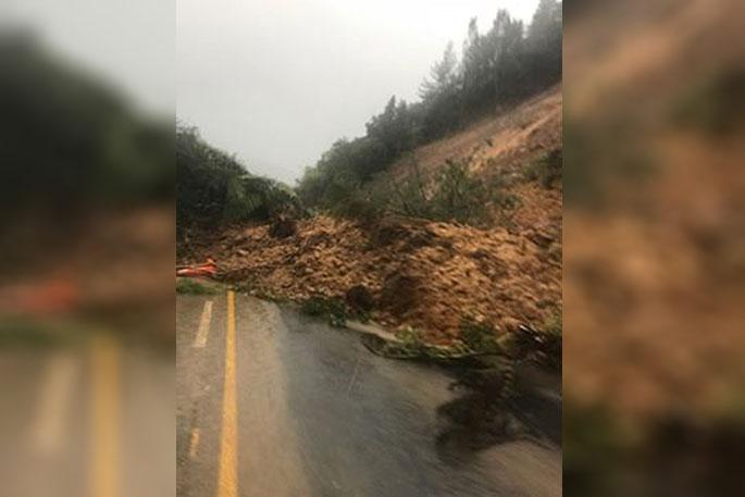 Newsie - Coromandel roads closed following storm - The